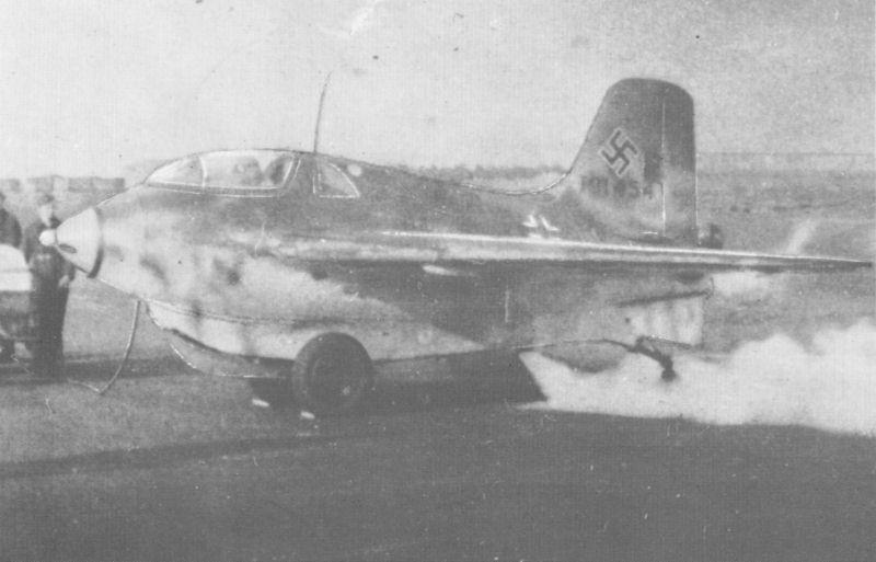 Messerschmitt Me 163 Ye11-01